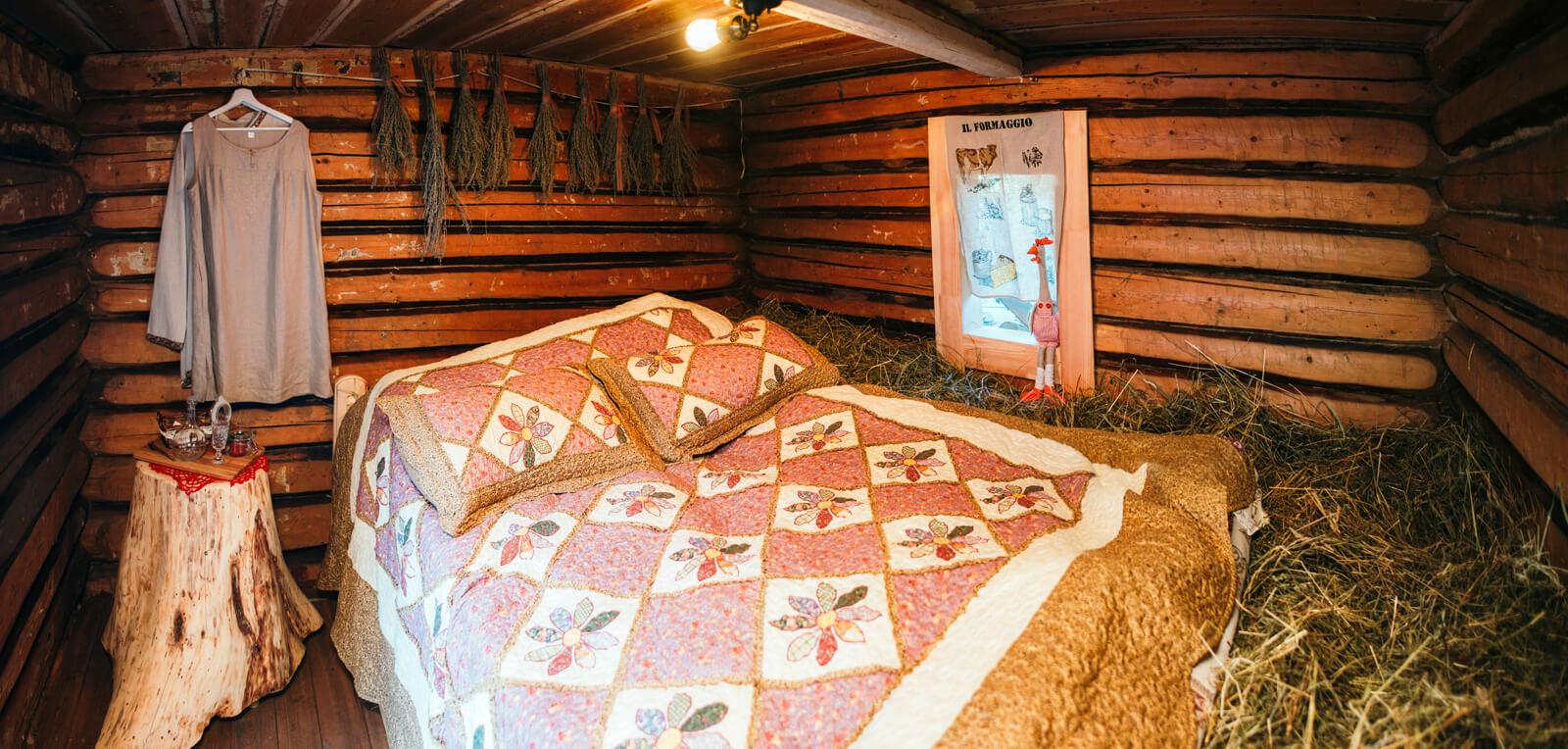 Бутик-отель Грандъ Сова: сон на сеновале